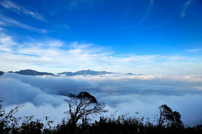 Tà Xùa là điểm đến yêu thích của những du khách thích leo núi, ngắm cảnh rừng núi. Ảnh: Diem Dang Dung.
