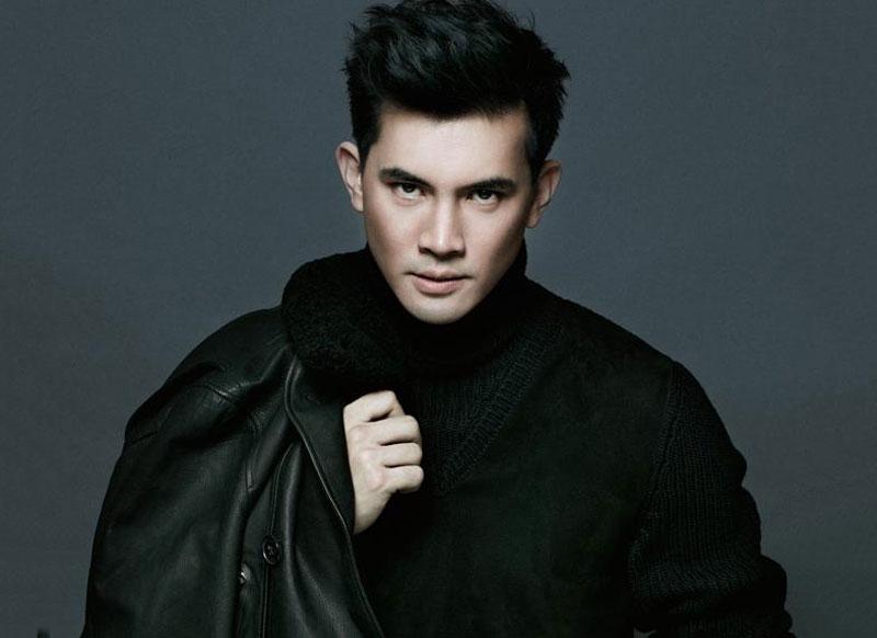 3. Theeradej Wongpuapan (Ken). Nam diễn viên, người mẫu sinh năm 1977 tại Bangkok, Thái Lan. Ken bắt đầu nổi tiếng khi tham gia phim truyền hình Song Rao Nirun Dorn (2005). Những sản phẩm điện ảnh hay phim truyền hình, hay quảng cáo của anh đều nhận được những phản hồi tích cực của khán giả xứ sở chùa vàng.