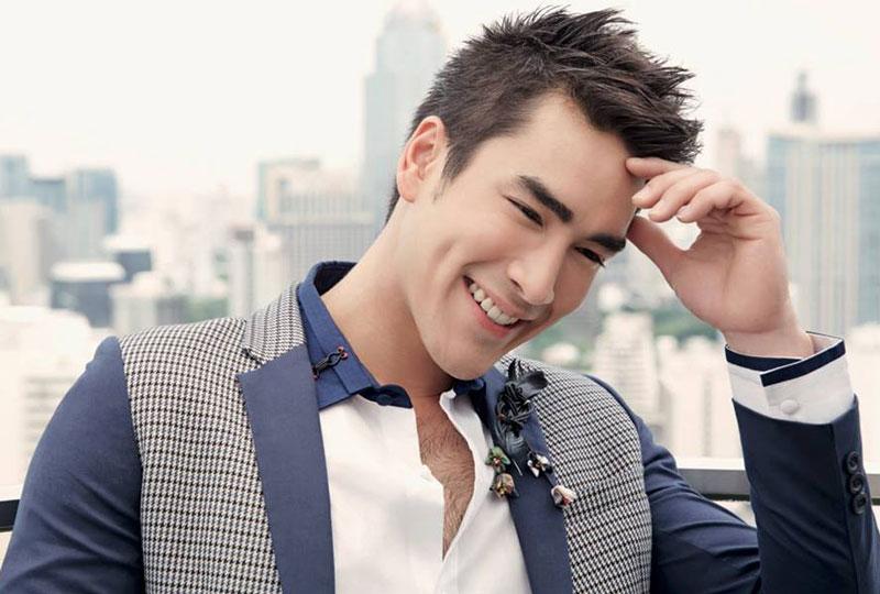 4. Nadech Kugimiya. Nam diễn viên, người mẫu nổi tiếng ở Thái Lan. Nadech mang 2 dòng máu Thái-Áo (cha là người Áo, mẹ là người Thái Lan). Năm 2010, mỹ nam sinh năm 1991 gây tiếng vang lớn khi đóng phim điện ảnh Ngao Rak Luang Jai.