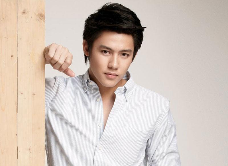 7. Prin Suparat. Anh là diễn viên, người mẫu sinh năm 1990 tại Thái Lan. Prin từng tham gia một số bộ phim như Ngao Ruk Luang Jai, (2010), Tawan Deard (2011), Khun Chai Ronapee (2012)…