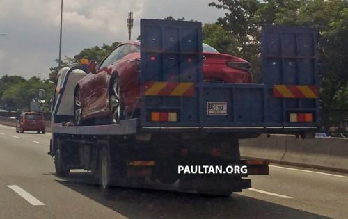 Lexus LC 500 xuất hiện trên đường phố Malaysia, sắp về Việt Nam. Tại thị trường Malaysia, Lexus LC 500 có giá bán vào khoảng 940.000 rupi (tương đương 3,29 tỷ đồng). Dự kiến sẽ cập bến tại Việt Nam vào cuối năm nay. (CHI TIẾT)