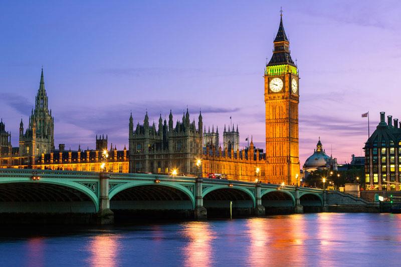 3. Tháp Big Ben. cấu trúc tháp đồng hồ ở mặt Đông-Bắc của công trình Nhà quốc hội ở Westminster, London, Anh. Tháp được thiết kế theo phong cách Victorian Gothic và cao 96,3m. Tòa tháp này được xem là biểu tượng của Thủ đô London nói riêng và xứ sở sương mù nói chung.