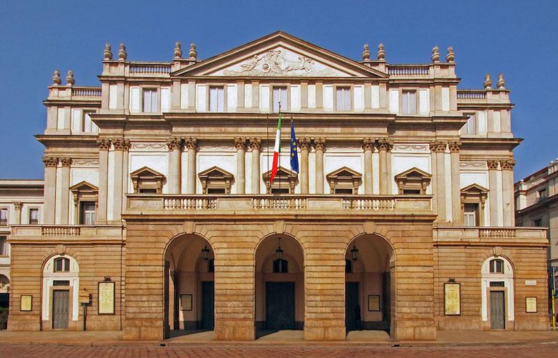 3. Nhà hát La Scala. Tọa lạc ở thành phố Milan, Italia. Nhà hát được khánh thành vào ngày 3/8/1778. Hầu hết các nghệ sĩ vĩ đại nhất của Italia và nhiều ca sĩ xuất sắc nhất trên khắp thế giới đã xuất hiện tại La Scala trong suốt 200 năm qua.