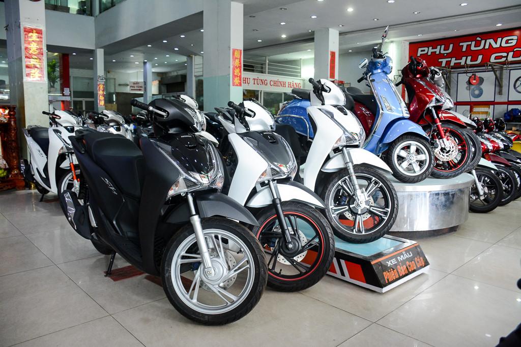 Người Việt mua hơn 1,5 triệu xe máy trong 6 tháng đầu năm 2017. Theo báo cáo của Hiệp hội các nhà sản xuất xe máy Việt Nam (VAMM) trong 6 tháng đầu năm 2017, doanh số bán hàng cộng dồn của 5 thành viên là 1,52 triệu xe máy. (CHI TIẾT)