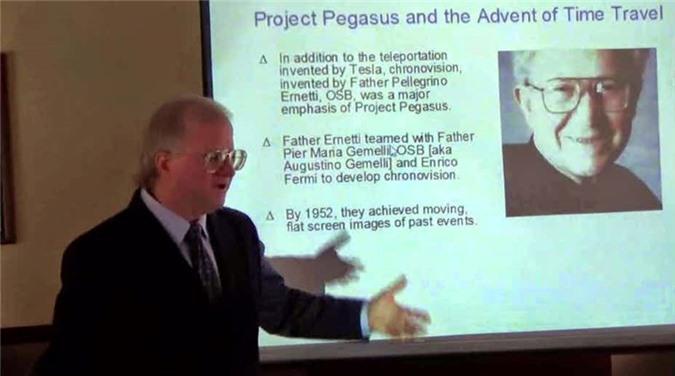 Andrew Basiago nổi tiếng thế giới khi tuyên bố đã từng du hành thời gian. Trong khoảng thời gian từ năm 7 - 12 tuổi, ông tham gia một dự án bí mật của chính phủ là DARPA's Project Pegasus.