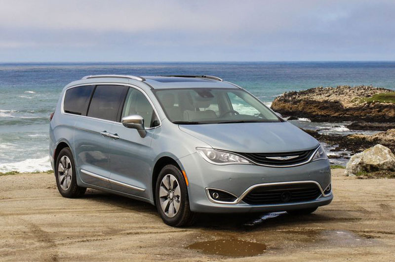 1. Chrysler Pacifica Hybrid 2017.