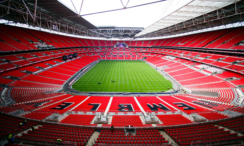2. Wembley (Anh) - sức chứa: 90.000 người.