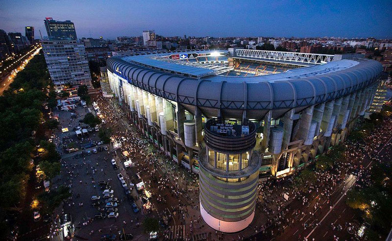 6. Santiago Bernabeu (Tây Ban Nha) - sức chứa: 81.044 người.