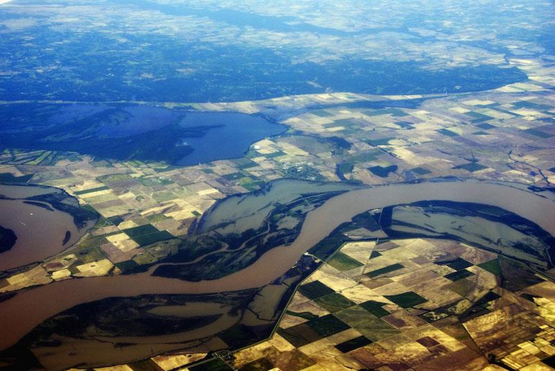 9. Sông Mississippi. Con sông nằm ở Bắc Mỹ với chiều dài 3.733km. Nó là hệ thống sông lớn nhất tại Mỹ và Bắc Mỹ. Con sông này đóng vai trò quan trọng trong việc vận chuyển hàng hóa ở khu vực.