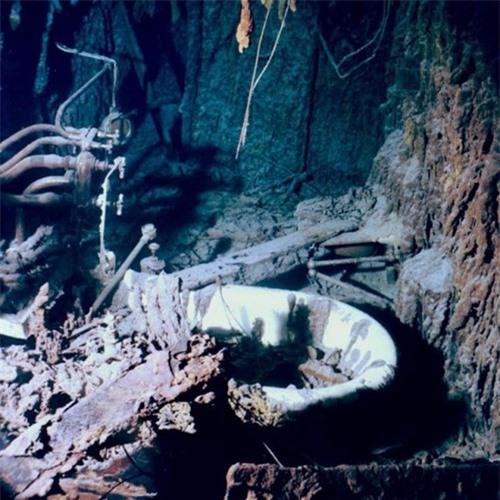 Loat anh lan dau tien phat hien tau dam Titanic nam 1985-Hinh-6