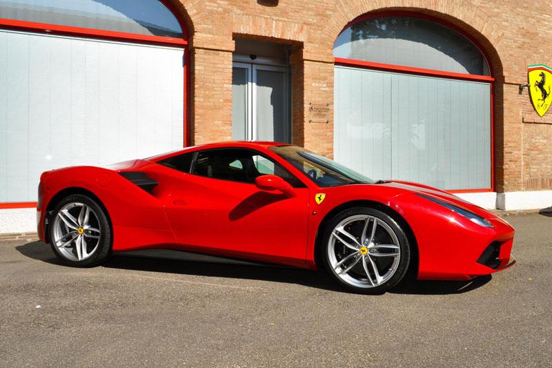 2. Ferrari 488 GTB.