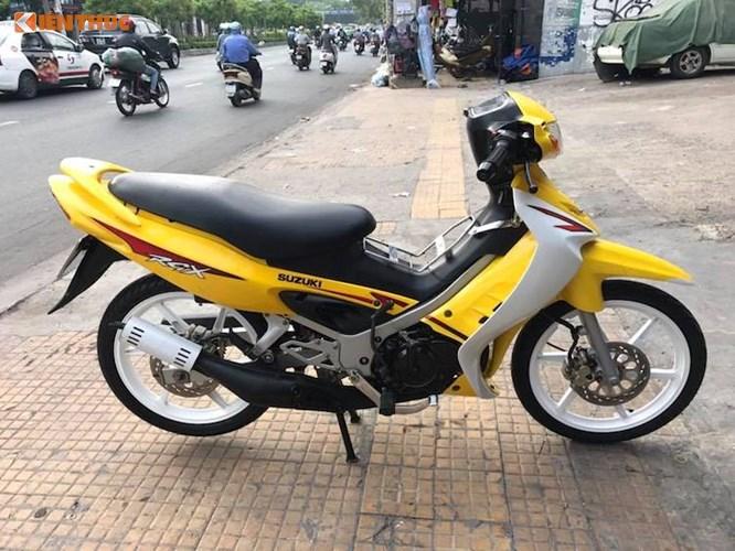Suzuki RGX dùng chán bán hơn 200 triệu tại Sài Gòn. Thuộc đời 2003 nhưng mẫu xe 2 kỳ Suzuki RGX