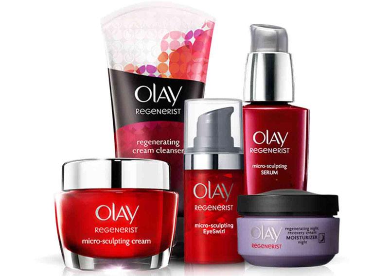 10. Olay. Dòng sản phẩm chăm sóc da của Mỹ thuộc Procter & Gamble. Ở Việt Nam, các sản phẩm của Olay khá nổi tiếng. Trong năm 2011, Olay đứng ở vị trí thứ nhất trong số 50 nhà lãnh đạo ngành công nghiệp trong thương hiệu mỹ phẩm top 50 của Brand Finance. Năm 2015 Olay đứng thứ 9 trong top 50.