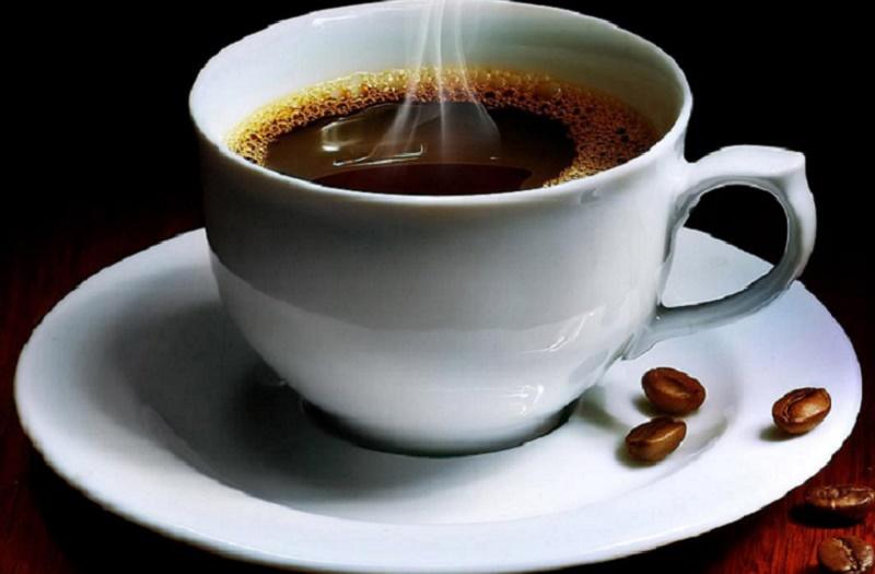 Cà phê là một trong những thức uống gây xỉn màu răng.
