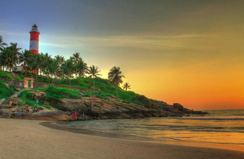 3. Bắc Kerala. Vùng phía Bắc của bang Kerala (Ấn Độ) nổi tiếng với những bãi biển hoang sơ và phong cảnh đẹp. Năm 2017, một sân bay quốc tế mới được khai trương ở Kannur, góp phần giúp phát triển du lịch ở khu vực miền Bắc bang này.