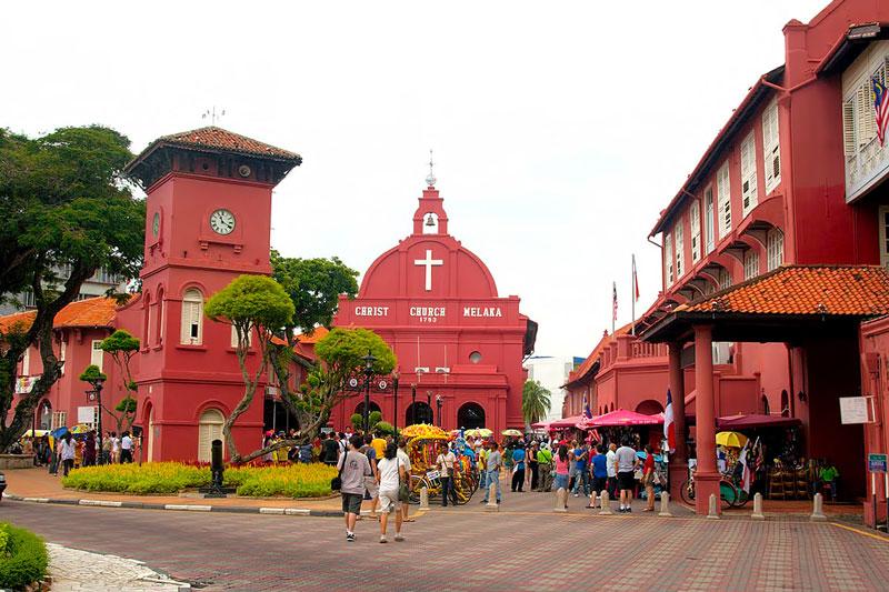 9. Melaka. Là một bang nhỏ của Malaysia. Thủ phủ bang là thành phố Malacca (thành phố này được UNESCO công nhận là di tích lịch sử từ ngày 7/7/2008. Đây là điểm đến không thể bỏ qua khi du lịch tại Malaysia.