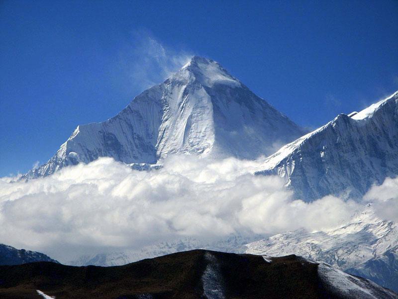 7. Núi Dhaulagiri I (Nepal). Chiều cao: 8.167m.