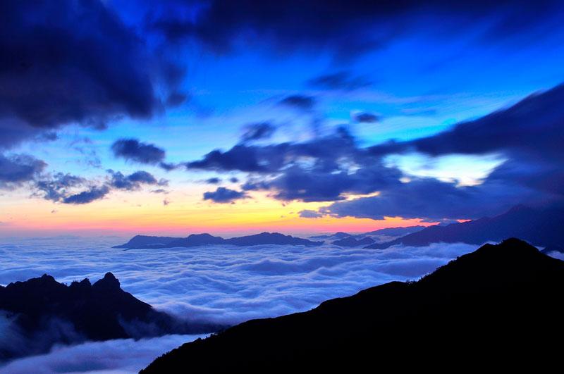 Khi chinh phục núi Muối, bạn mất thời gian khoảng 3 ngày. Nếu muốn ghé thăm dãy Bạch Mộc Lương Tử thì bạn lại phải bỏ thêm 1 ngày. Ảnh: Diem Dang Dung.