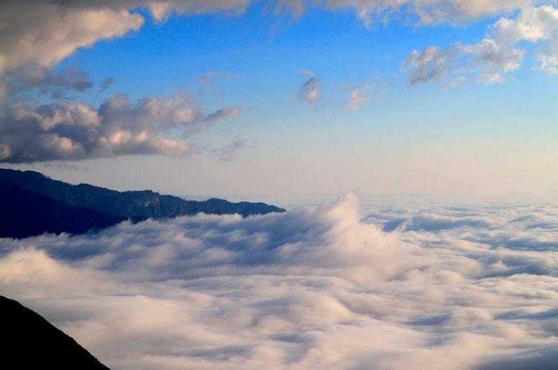 Theo kinh nghiệm của các phượt thủ thì mùa Đông là thời điểm thích hợp nhất để chinh phục núi Muối. Ảnh: Diem Dang Dung.