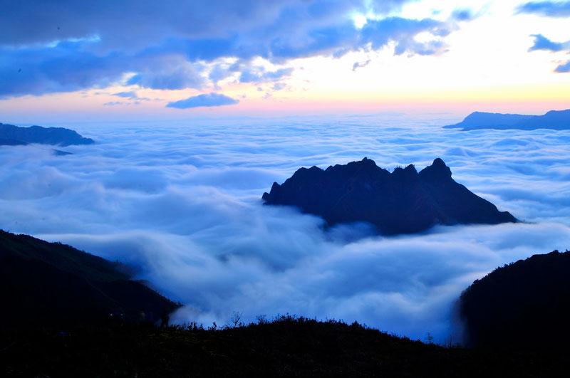 Để chinh phục núi Muối, du khách phải đảm bảo có thể lực và sức khỏe tốt. Ảnh: Diem Dang Dung.