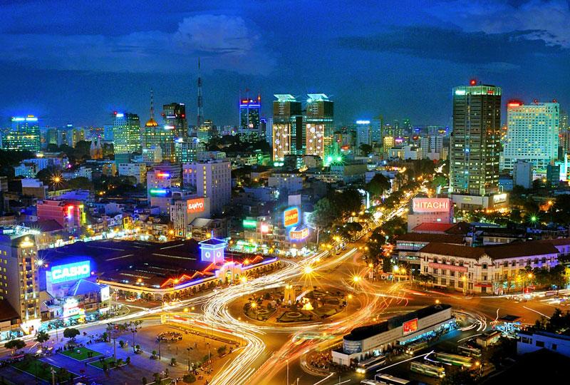 8. Thành phố Hồ Chí Minh. Là thành phố lớn nhất Việt Nam đồng thời cũng là đầu tàu kinh tế và là một trong những trung tâm văn hóa, giáo dục quan trọng nhất của nước này. Hàng năm, thành phố mang tên Bác thu hút hàng triệu khách du lịch tới tham quan.