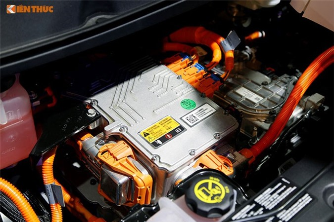 Can canh oto dien gia re Chevrolet Bolt EV tai Viet Nam-Hinh-11