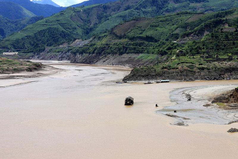 Thủy điện Nậm Na 1 công suất 30 MW, năm 2016 đang ở giai đoạn công trường chuẩn bị, đặt tại huyện Phong Thổ, Lai Châu. Ảnh: Son Hoa Nguyen.