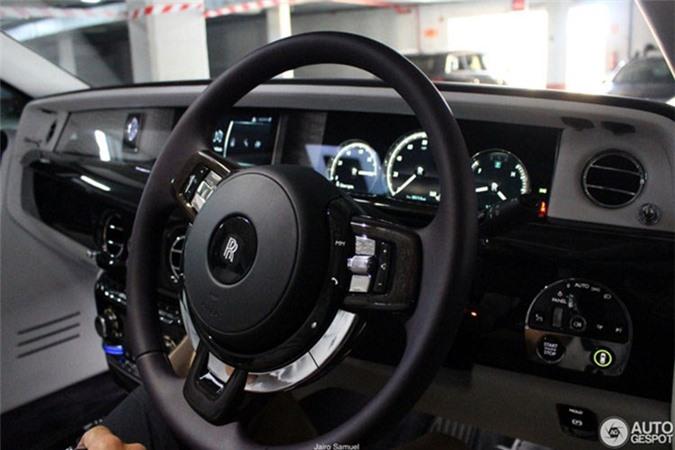 Sieu xe sang Rolls-Royce Phantom 2018 dau tien lan banh-Hinh-9