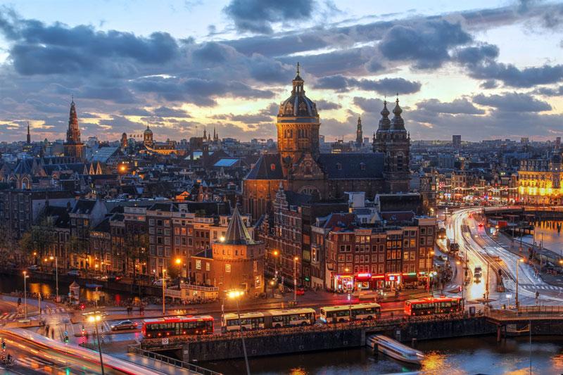1. Hà Lan. Chiều cao trung bình: 1,838m.