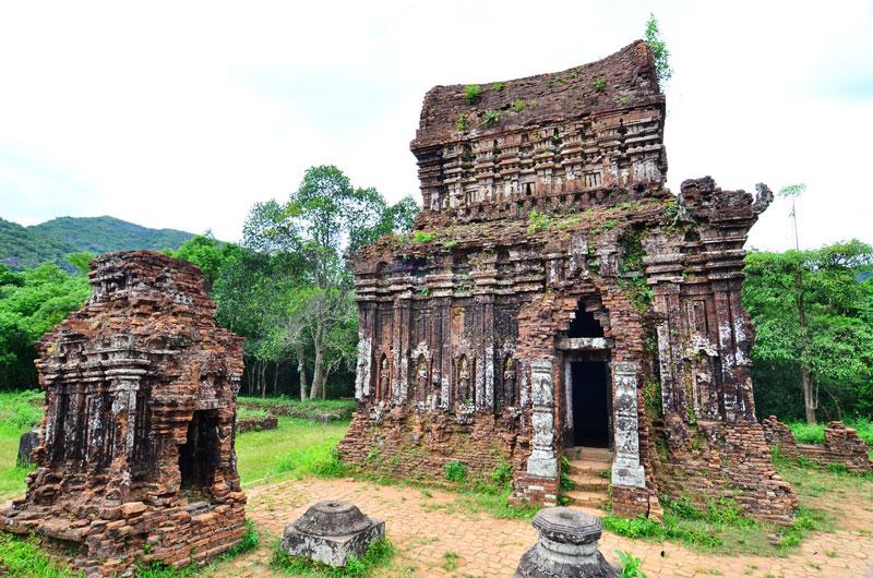 Thánh địa Mỹ Sơn có thể là trung tâm tôn giáo và văn hóa của nhà nước Chăm pa khi thủ đô của quốc gia này là Trà Kiệu hay Đồng Dương. Ảnh: Minh Son.