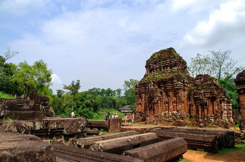 Thánh địa Mỹ Sơn được coi là một trong những trung tâm đền đài chính của Ấn Độ giáo ở khu vực Đông Nam Á và là di sản duy nhất của thể loại này tại Việt Nam. Ảnh: Diem Dang Dung.