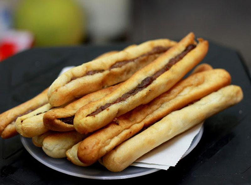 Công thức làm bánh mì que pa tê ngay tại nhà. Bánh mì que là món ngon có xuất xứ từ nước pháp và được rất nhiều người yêu thích. Dưới đây là cách làm bánh mì que pa tê vô cùng đơn giản và ngon miệng. (CHI TIẾT)