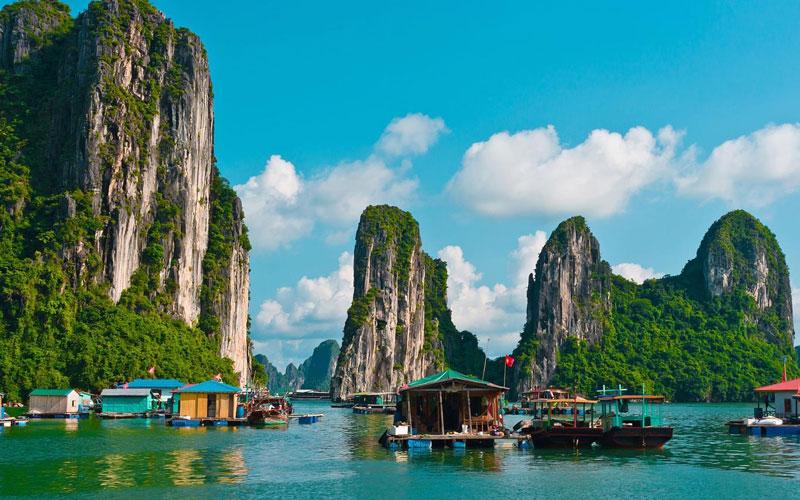 Năm 1994 vùng lõi của vịnh Hạ Long được UNESCO công nhận là Di sản Thiên nhiên Thế giới với giá trị thẩm mỹ (tiêu chuẩn vii), và được tái công nhận lần thứ 2 với giá trị ngoại hạng toàn cầu về địa chất-địa mạo (tiêu chuẩn viii) vào năm 2000. Ảnh: Travel.