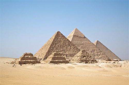 Gia thuyet kho tin ve kim tu thap o Giza