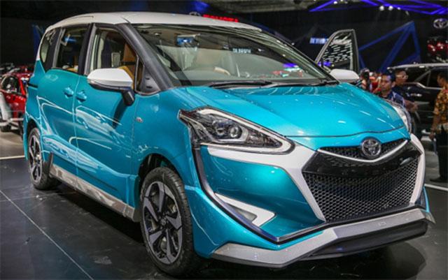 Toyota Sienta Ezzy tại GIIAS 2017.