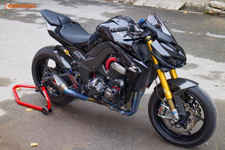 Dân chơi Đà Lạt chi 200 triệu độ môtô Kawasaki Z1000. Những