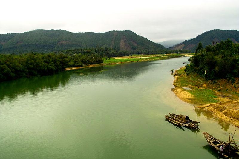 Mùa lũ từ tháng 9-11, chiếm khoảng 60 - 75% lượng dòng chảy hàng năm. Ảnh: Lê Quang.