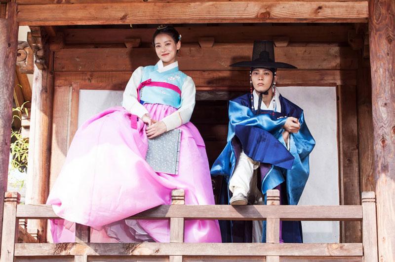 """6. My Sassy Girl (tạm dịch: Công chúa ngổ ngáo). Lấy bối cảnh thời đại Joseon, bộ phim kể về chuyện tình yêu giữa Gyun Woo (Joo Won thủ vai), một học giả lạnh lùng, người được xem là """"bảo vật quốc gia"""" và công chúa Hye Myung (Oh Yeon-seo thủ vai), một cô gái nghịch ngợm, chuyên gây rắc rối."""