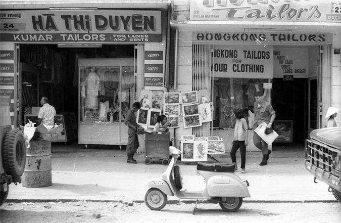 Anh song dong ve duong pho Nha Trang nam 1968