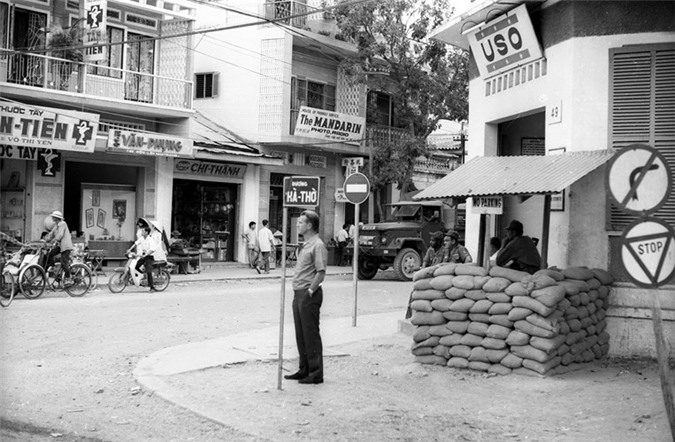 Anh song dong ve duong pho Nha Trang nam 1968-Hinh-11