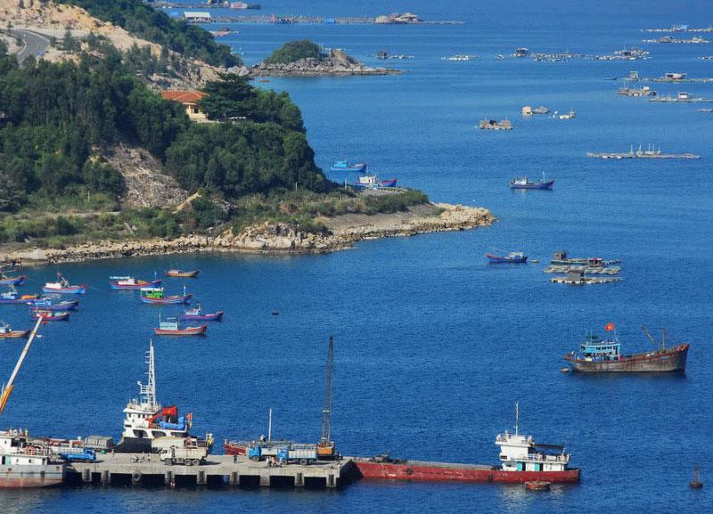 Cảng Vũng Rô. Ảnh: Teska.
