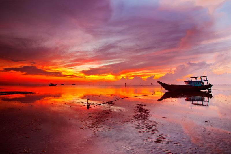 Tới biển Cần Giờ, bạn cũng đừng quên thưởng thức những món hải sản tươi ngon nhé! Ảnh: Long Phan.