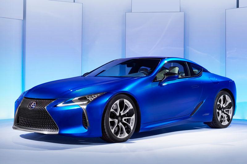 Thân xe được thiết kế mang đậm tính khí động học, cùng ngoại hình mang phong cách speedster lôi cuốn. Nóc xe được làm từ sợi carbon.