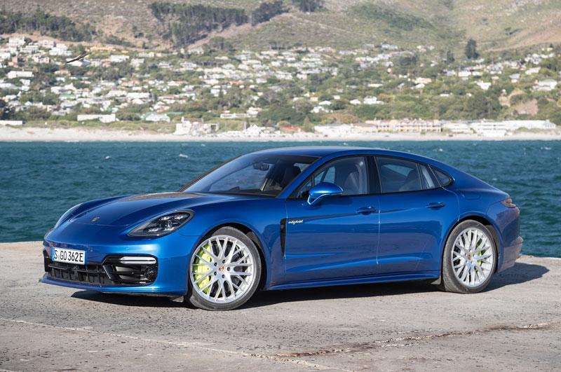 Top 10 xe thể thao 4 cửa tốt nhất năm 2017. Trang Gayot vừa bầu chọn ra danh sách 10 xe thể thao 4 cửa tốt nhất năm 2017. Dẫn đầu là Porsche Panamera 4 E-Hybrid Executive 2018 với giá khởi điểm 94.250 USD. (CHI TIẾT)