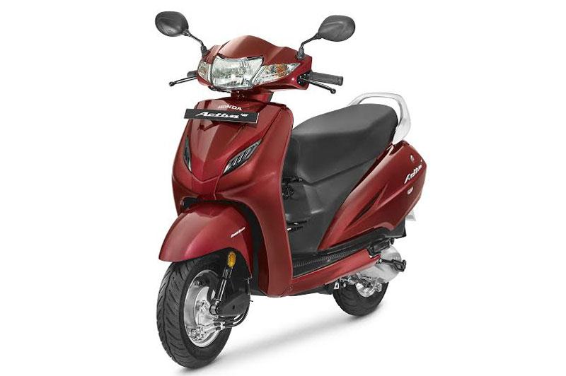Chi tiết xe tay ga giá rẻ của Honda. Honda Activa 4G 2017 vừa được bán ra tại thị trường Ấn Độ với giá 50.730 Rupee (tương đương 17,94 triệu đồng). Vậy mẫu scooter này có gì đặc biệt? (CHI TIẾT)