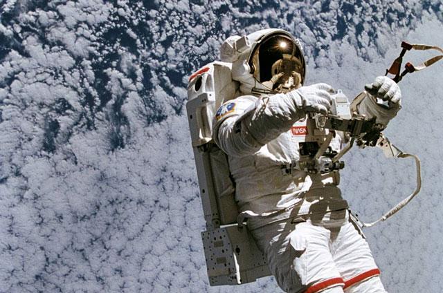 Phi hành gia trên vũ trụ. Ảnh: NASA.