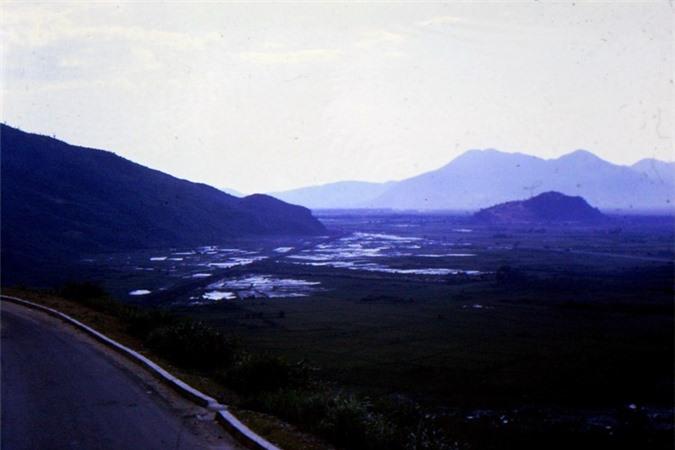 Canh sac tuyet voi tren deo Hai Van thap nien 1960-Hinh-6