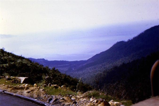 Canh sac tuyet voi tren deo Hai Van thap nien 1960-Hinh-7