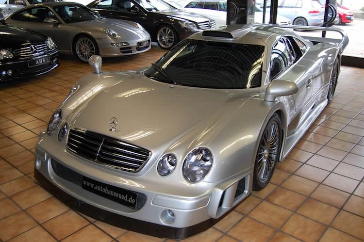 """Siêu xe Mercedes """"khủng"""" nhất Thế giới giá 61 tỷ đồng. Dù đã gần 20 năm trôi qua nhưng tới ngày nay Mercedes CLK-GTR vẫn là mẫu siêu xe """"khủng"""" nhất mà Mercedes-Benz từng sản xuất hàng loạt. (CHI TIẾT)"""