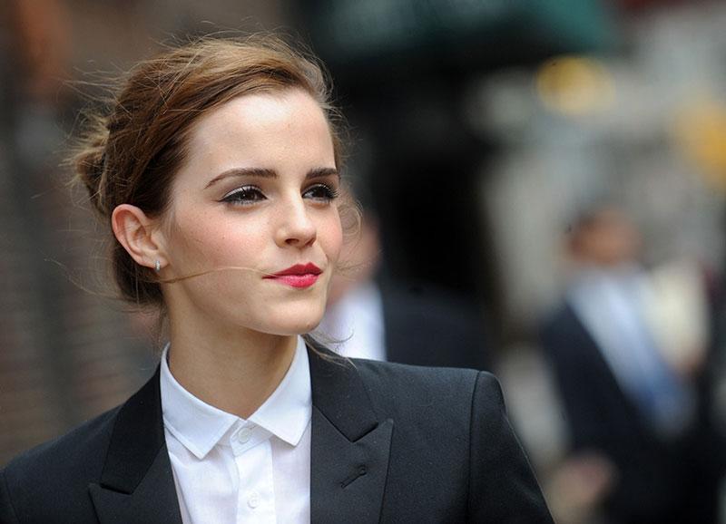 =6. Emma Watson. Tổng thu nhập: 14 triệu USD/năm.